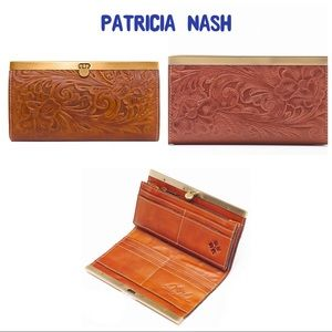 Patricia Nash Like New Leather Floral Wallet